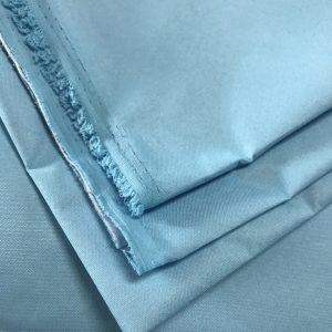 EN 13795-1 2019 60gsm Polyester 50D + PE membrane bernafas Eksport kain gaun pembedahan ke UK